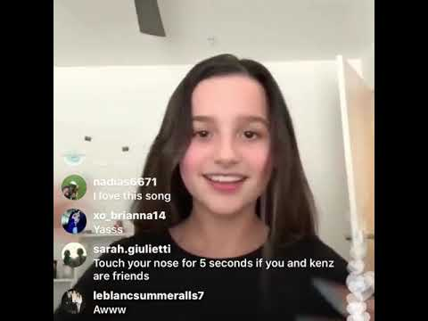 Annie Leblanc sings little do you know on live stream!