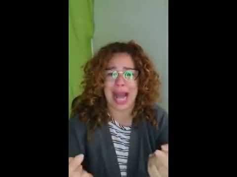 Acción Docente: Maestra Rompe en Llanto en Video de Facebook