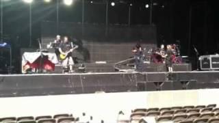 Joey Belladonna (Anthrax) sings Foreigner