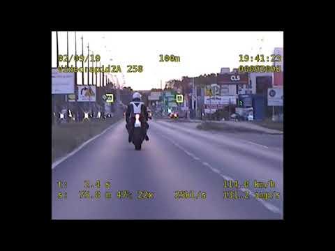 Pędzący Motocyklista Namierzony Przez Policjantów Z Grupy SPEED - KMP Bydgoszcz