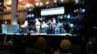 多くの有名ミュージシャンのサポートや「山弦」などでも有名な、香川出...