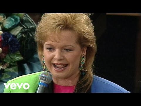 Bill & Gloria Gaither - Speak to the Mountain [Live] ft. Jeff & Sheri Easter