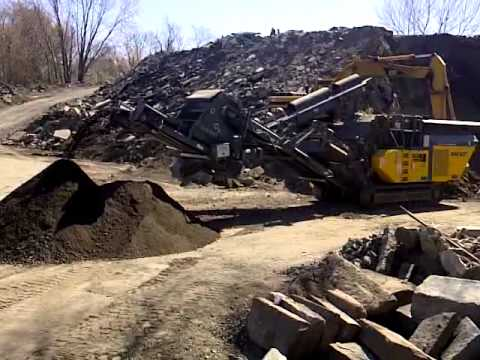 """RM 80GO! recycles concrete in Rhode Island down to a 3/4"""" minus product"""