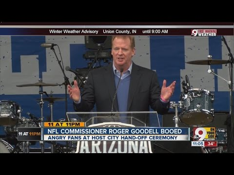 NFL commissioner booed at Super Bowl ceremony