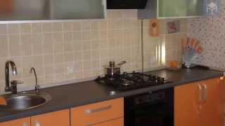 ВидеоОбзор - Оранжевая кухня с фасадами из лдсп EGGER
