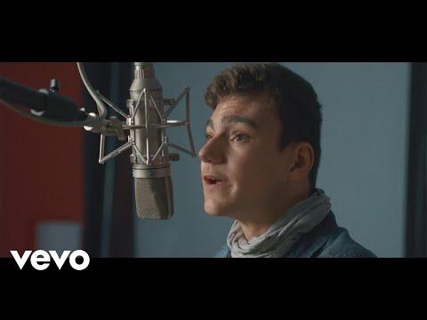 Adrián - No me Doy por Vencido (Making Of)