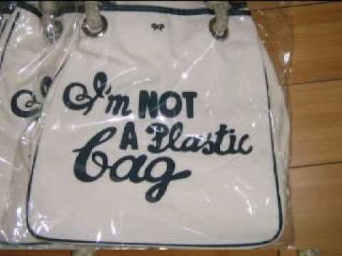 Anya Hindmarch I m Not A Plastic Bag Madness - YouTube 8f7f0fdc62ff9