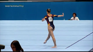 Repeat youtube video Spanish gymnast performs floor routine