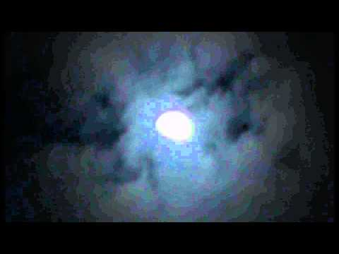 Raw Video: Strange Surreal Clouds. Super Moon 2011 - South Coast UK