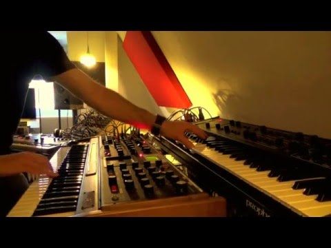 Project EPXV: Live/Studio performance on analog synthesizers