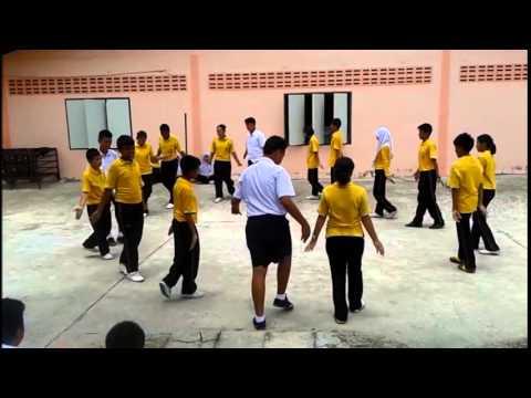 เพลง รำวงมาตรฐาน กลุ่มที่2 ชั้นมัธยมศึกษาปีที่ 3/10 พ.ศ. 2557 .