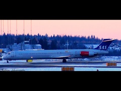 Scandinavian Airlines McDonnell Douglas MD-82 Landing At GOT/ESGG