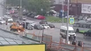 Потоп в Новосибирске 18.07.16. Перекресток Лежена и Богаткова