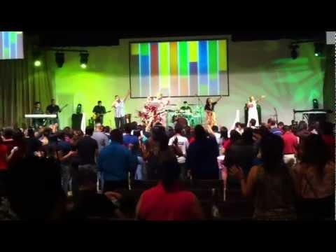 Iglesia El Shaddai Austin - ministracion 2012