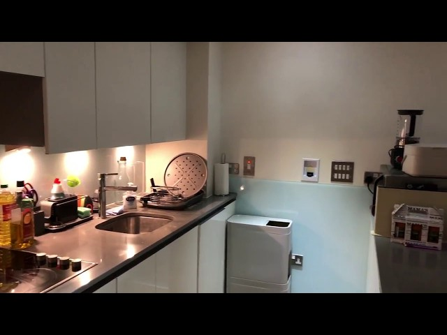 Large, modern, well connect flat in Greenwich Main Photo