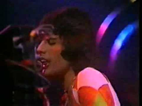 Queen - Somebody To Love (Earls Court 1977)