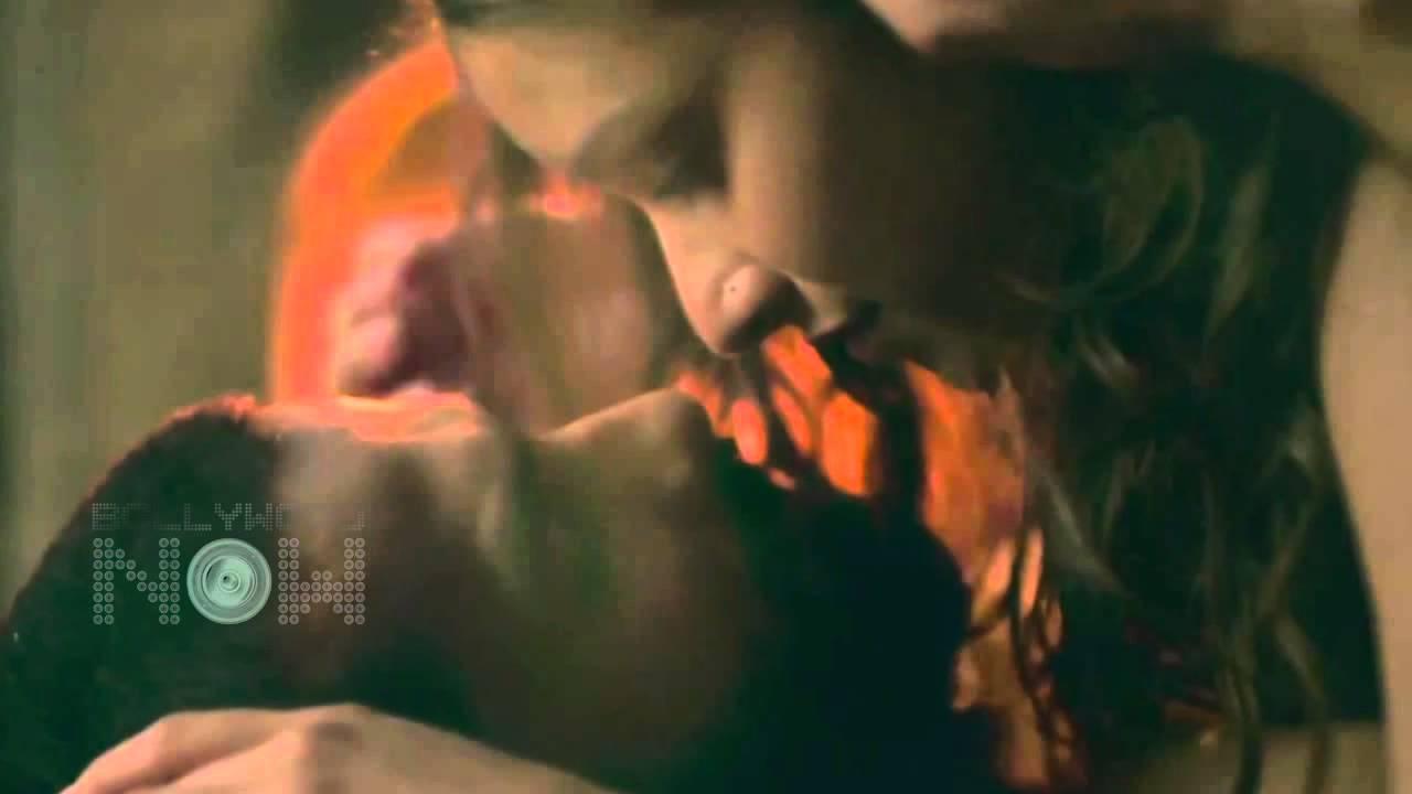 Shahid Kapoor Hot Kiss