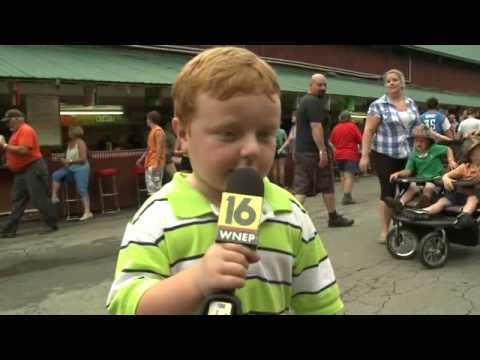 Funny Video - This Kid is Awesome, Steals the Show During Interview