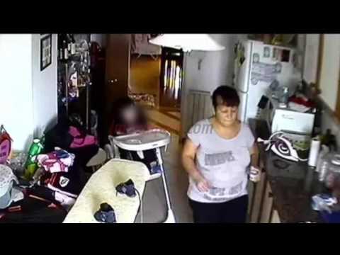 Quedó libre la niñera que filmaron golpeando a un bebé