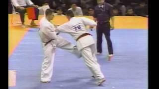 kyokushin karate グラウベ・フェイトーザvsニコラス・ペタス ド迫力バトル