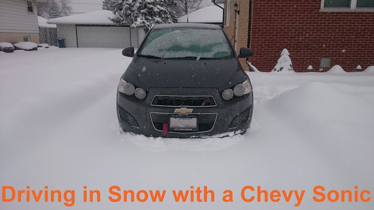 Chevrolet Sonic Owners Manual: Driving on Snow or Ice