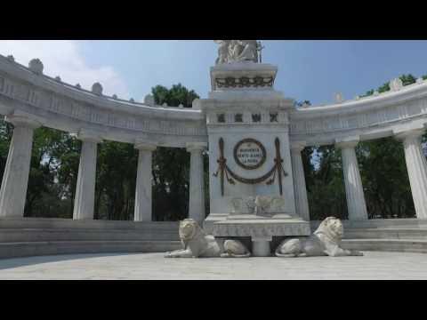 Walking Around Mexico City - Palacio Bellas Artes to Zocalo June 2016