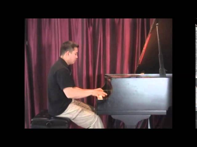 Cours   de piano:  advanced: piano sonata number 1 by Ginastera, last movement.