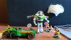 Buzz'  Schatzsuche nach den 3 Glückselementen