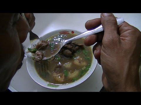 Jakarta Street Food 706 Makassar Konro Soup Sop Konro Makassar Daeng Awang BR TiVi 5192