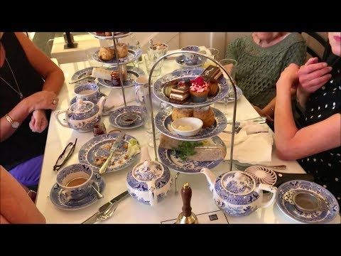 Charles Rennie Mackintosh's Art Nouveau Tea Rooms in Glasgow