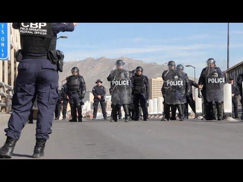 Policía de EEUU entrena en la frontera ante llegada de migrantes