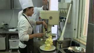 2 Michelin star making of Italian ice cream