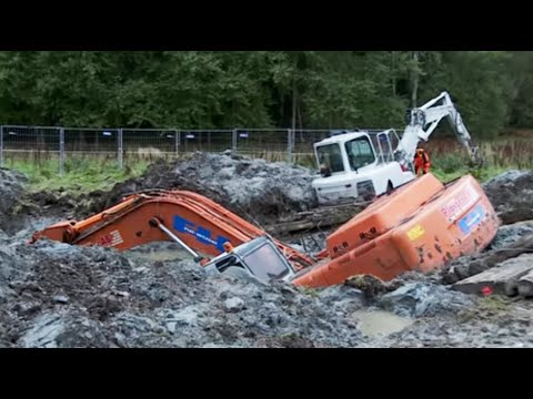 Two Excavators stuck in deep clay - Heavy Recovery - Terribrgarn, Sweden