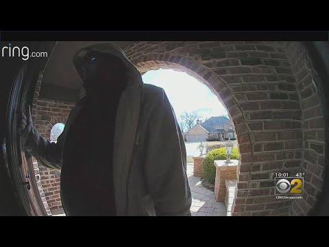 Lance Houston - Thieves Dressed As Utility Workers Are Preying On Chicago Seniors