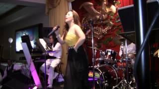 Đừng Xa Em Đêm Nay & LK Twist - Minh Tuyết & Saigon Stars Band