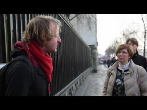 Sandemans Red Berlin Tour