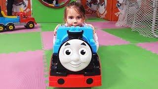 ТОМАС детская развлекательная площадка с паровозиком Томасом Учим цвета на английском