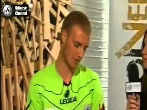 """Wojciech """"Okazejszyn"""" Pawłowski - epicki wywiad dla Udinese Channel skrót by CZERSTWO.PL"""