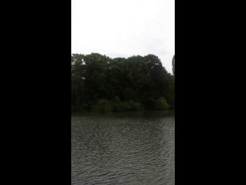 بحيرة الحديقة الانجليزية في ميونخ ,,  3 يوليو 2013 م