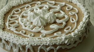 Как приготовить торт киевский в домашних условиях(В данном видео вы узнаете, как приготовить киевский торт по ГОСТу. Готовить такой торт совсем не сложно,..., 2017-02-18T15:01:31.000Z)