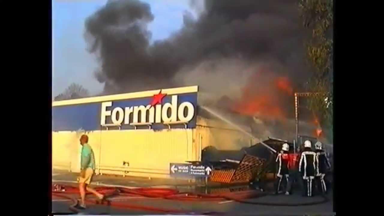 Zeer grote brand Oostvoorne Formido deel2 - YouTube