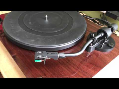 Pro ject debut iii vs carbon