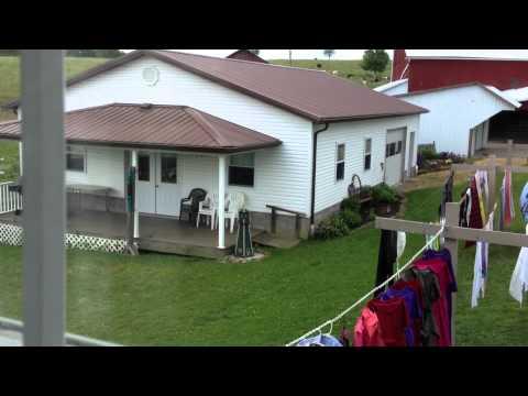 Amish Heartland Tours ~ Building A Haystack Lunch.MOV