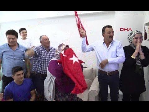 Altın madalya kazanan Rıza Kayaalp'in ailesinin şampiyonluk sevinci