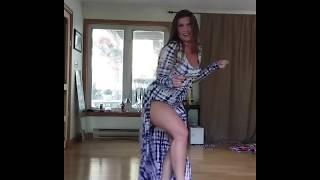 رقص منزلي مثير جدا