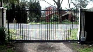 Lee Benson Fencing, Automatic Sliding Gate, Open And Close