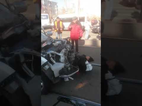 (+18)Улан-Удэ авария на ост. Республиканская больница 14.10.2019