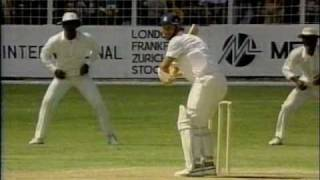 Ian Bishop roughs up Robin Smith- West Indies vs England 1990 5th test Antigua