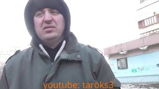 Мент ищет понятых, а видеокамера в его глазах будто оружие