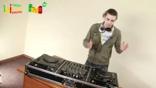 Уроки диджеинга (DJ) Урок 2.(http://jesusrap.ucoz.ru/ Христианский хип-хоп для всех Используемое оборудование: 2 проигрывателя Pioneеr CDJ 1000 MK3 4-кана..., 2012-06-16T11:20:15.000Z)